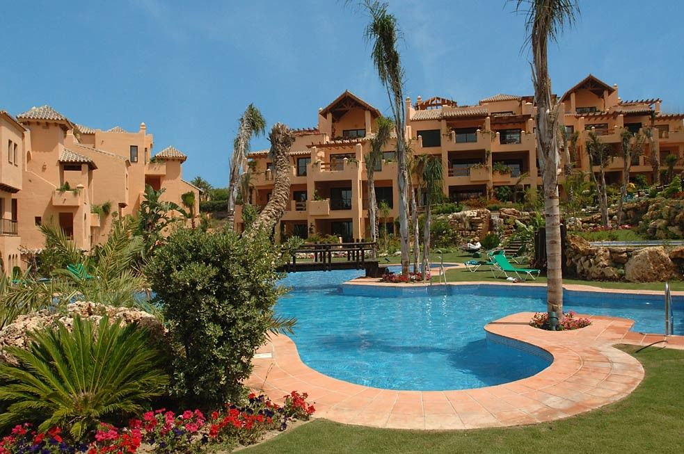 Spacious luxury apartment gated complex HomeAway Estepona