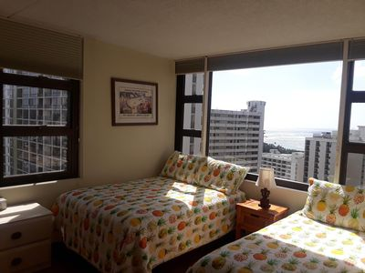 Sweeping Ocean Views from Prime High-Floor Corner Unit at the Waikiki Banyan