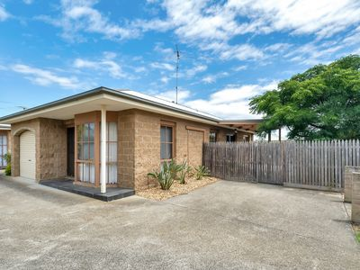 Photo for Cute & Cosy Central Getaway - Unit 6/92 Powell Street
