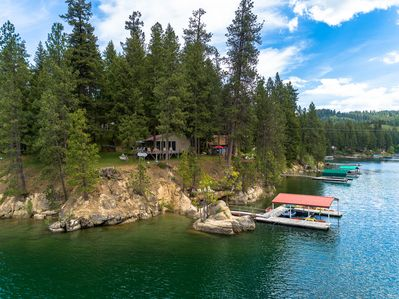 270 Degree Views of Hayden Lake, Easy Access to Lake and Dock