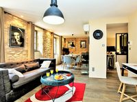 Explore Sarlat and the Dordogne from this apt