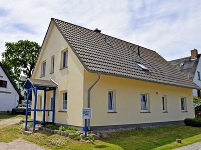 Photo for 2-room apartment under the thatched roof - Apartments on the Bodden Family Looks