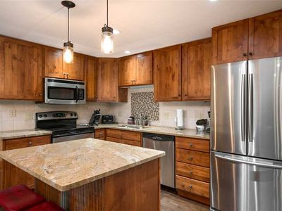 Discounted lift tickets! Beautifully Updated Steamboat Condo With Hot Tub Access