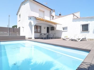 Photo for Spacious and beautiful house on the Costa Brava with swimming pool 4 x 2,5