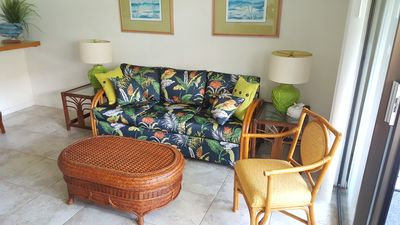 Tropical sofa sleeper in living room equipped with a comfy real bed mattress!!