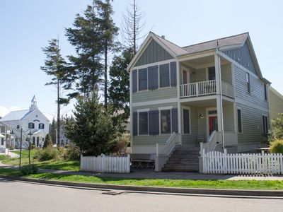 Photo for Sandcastle: 4 BR / 3.5 BA seabrook in Pacific Beach, Sleeps 11