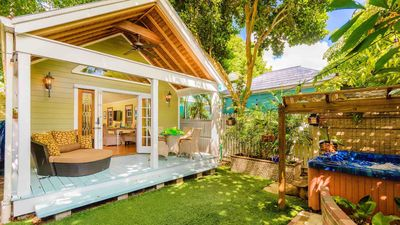 Photo for **SWEPT AWAY @ OLD TOWN** Dreamy Private Home & Jacuzzi + LAST KEY SERVICES...