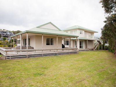 Photo for #Waihi Beach Hive-Huge*Ace Location*Epic Deck*Pets