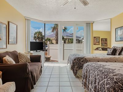 Photo for Top of the Gulf condo w/ shared pools, a gym & direct beach access on the Gulf!