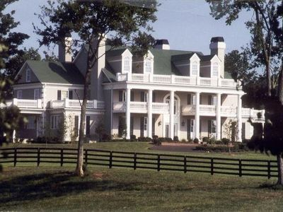 Photo for Beautiful Estate Only Minutes From Nashville