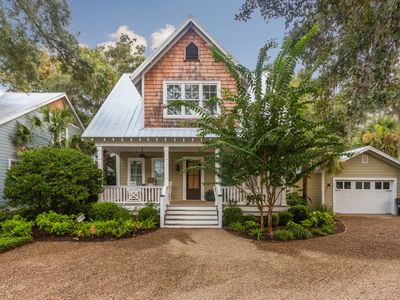 Photo for Adorable 5 Bedroom Cottage in walking distance to Pier Village on St. Simons