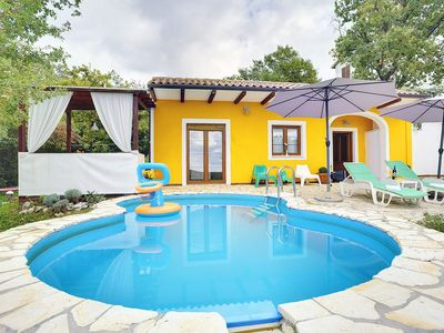Photo for Villa with private pool, 2 bedrooms, washing machine, air conditioning, WiFi, pets allowed, terrace, barbecue and great views