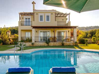 Photo for Beautiful and comfortable villa with breathtaking views and private swimming pool !