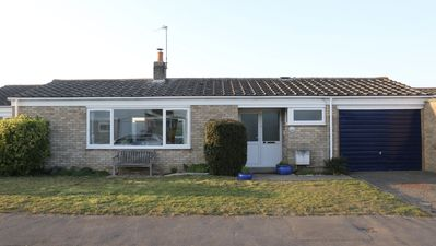Photo for The Lookout - Great accommodation close to fabulous beaches, pubs and facilities