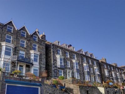 Photo for Apartment Bod Idirs in Barmouth - 6 persons, 3 bedrooms