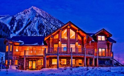 Ski In/Out! Large Custom House, Decks with amazing views! Hot Tub!