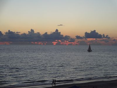 Gulf Front Views Of Beach and Sunsets!  (30 Day Minimum)