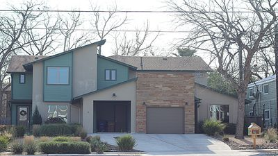 Photo for DOWNTOWN: NEW Modern Townhome- Walking distance to S.Congress & South 1st Street