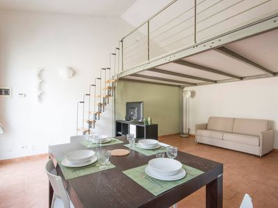Photo for Green Terraced House apartment in Pisa with WiFi.