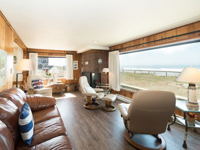 Photo for The perfect ocean front Seaside Escape in the heart of it all in Lincoln City