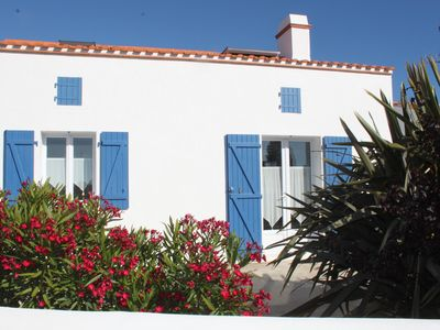 Photo for ISLAND NOIRMOUTIER The Thorn house, with comfortable fenced garden. WIRELESS