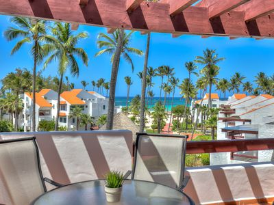 Photo for Oceanview Apartment with large balcony and next to the beach