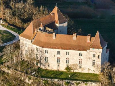 Photo for Vast Medieval castle and the XVIII century near Toulouse - Moissac with pool