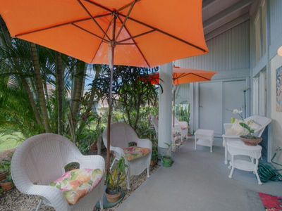 Photo for Low rates! ! Bright & Airy Tropical Garden Setting Town-home.