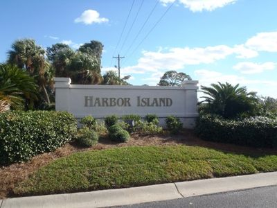 Harbor Island offers a relaxing vacation...