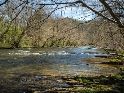 Photo for Near River,Fishing, Hot Tub, FREE Area Attraction Tickets.