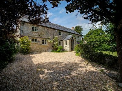 Photo for Yew Tree Cottage, NORTHLEACH