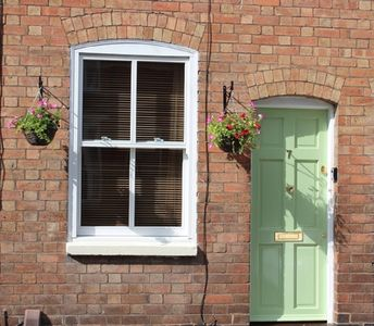 Photo for Charming Victorian Terrace in Stratford-upon-Avon