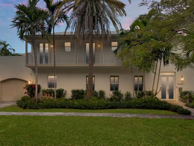 Photo for Beautiful Tropical Home in Coconut Grove