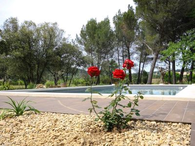 Photo for VILLA WITH POOL IN PINE FOREST BETWEEN VENTOUX AND LUBERON