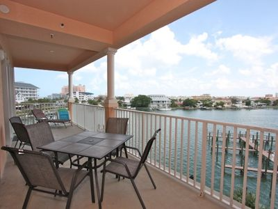 Photo for Pet Friendly Waterfront, Big Balcony, Free Wi-Fi & Cable, Pool, Beach Chairs -404 Harborview Grande
