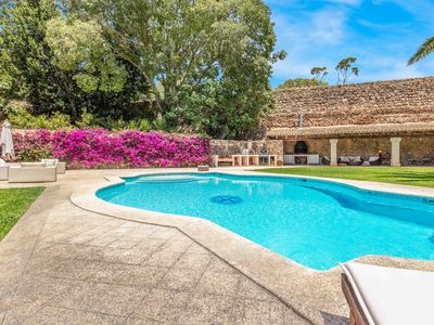 Photo for Luxurious Villa With Stunning Pool & Gardens