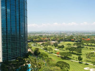 Photo for Breeze & Golf Course Views Avant Corner Studio Bonifacio Manila (HUK)