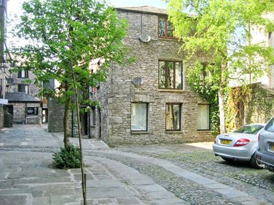 Photo for 9 CAMDEN BUILDING, family friendly in Kendal, Ref 17785