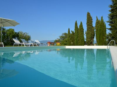Photo for Apartment in the Chianti with swimming pool