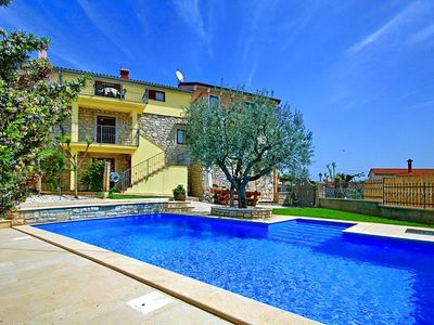 Photo for Spacious villa with private pool and enclosed garden near Porec and beach