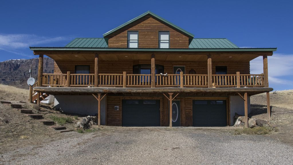 Log Home 30 Minutes From Cody Wy And Yello Vrbo