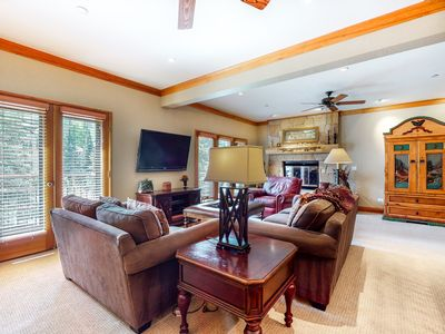 Photo for Lovely condo with access to outdoor pool & hot tubs, fitness center and more!