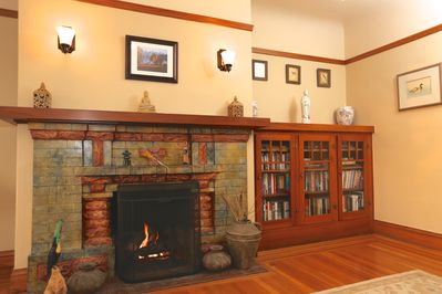 Gas fireplace, spacious living room.