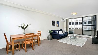 Photo for AX506 - Modern Apartment, Centrally located to all Transport