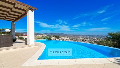 Photo for Stunning 4 bedroom villa with infinity swimming pool