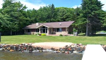 New Owner! Sled, Hunt, Fish, Relax, Clean, Lake front Property, Eagle River area