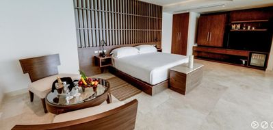 Photo for The Beach Club Suite, Cancun / Melody Marker