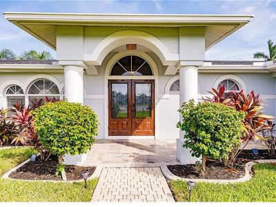Photo for Fabulous 4 BR Waterfront Villa for Your Perfect Dream Vacation!
