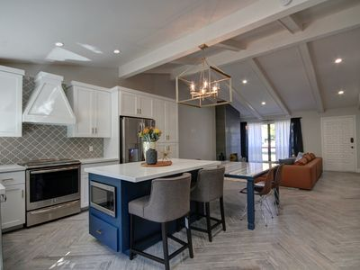 LUXURY Brand New Never Lived Town-Home!!! Amazing Central Scottsdale Location!