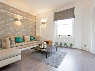Photo for Luxurious 2 bedroom apartment Kensington High St, with lift